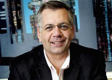 French retailer Carrefour has chosen the right time to enter the African market says Malcolm Horne, CEO of Broll Property Group.
