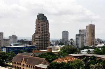 In Kinshasa, land values are even higher – an estimated US$100 000 per hectare in well-serviced residential areas.